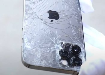 Смяна на задно стъкло на iPhone 12