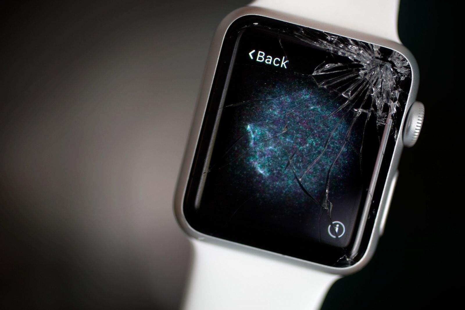 счупено стъкло на Apple Watch